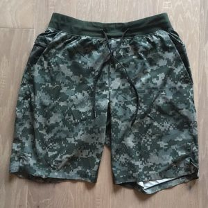 Men's Lululemon Camo Workout Shorts - Size M